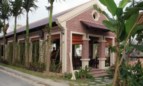Sen Việt Restaurant & Bar
